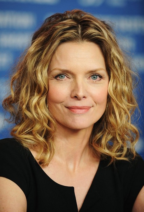 Enjoyable Loose Curly Hairstyle For Women Age Over 50 Michelle Pfeiffer Hairstyle Inspiration Daily Dogsangcom