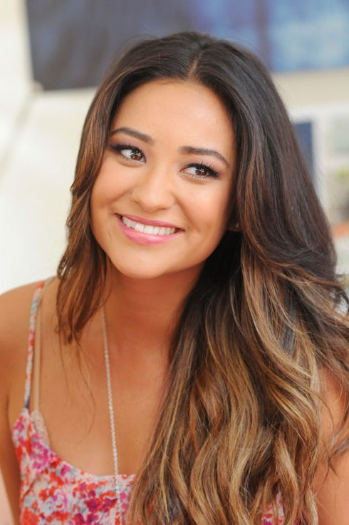Long Ombre Hair Style Without Bangs Shay Mitchell