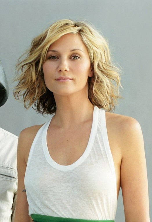 Sugarland Jennifer Nettles Short Haircut Wavy Bob