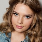 Indiana Evans long hairstyle