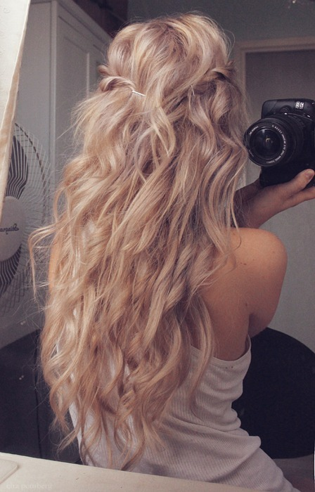 girls hairstyles idea casual long rippling blonde waves