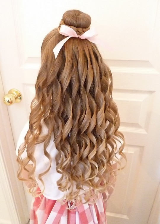 Long Big Curly Hairstyle for Girls