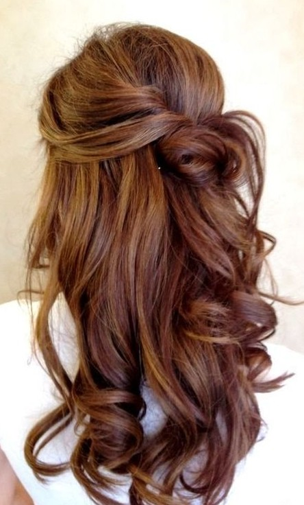 Romantic Soft Wavy Hairstyle for Wedding