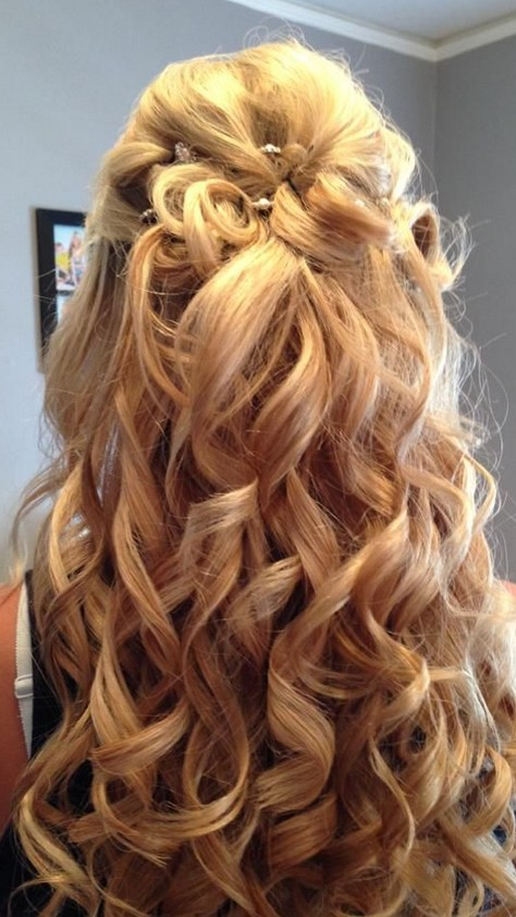 Cute Hair Ideas For Medium 63a0f5b43b4ade44c2650bb4339ccae4 Casual Hairstyles Homecoming Half Up Down Wallpaper