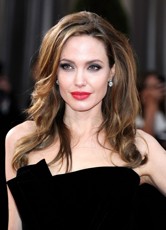 Angelina Jolie Red Carpet Hairstyles for Long Wavy Hair - Hairstyles ...