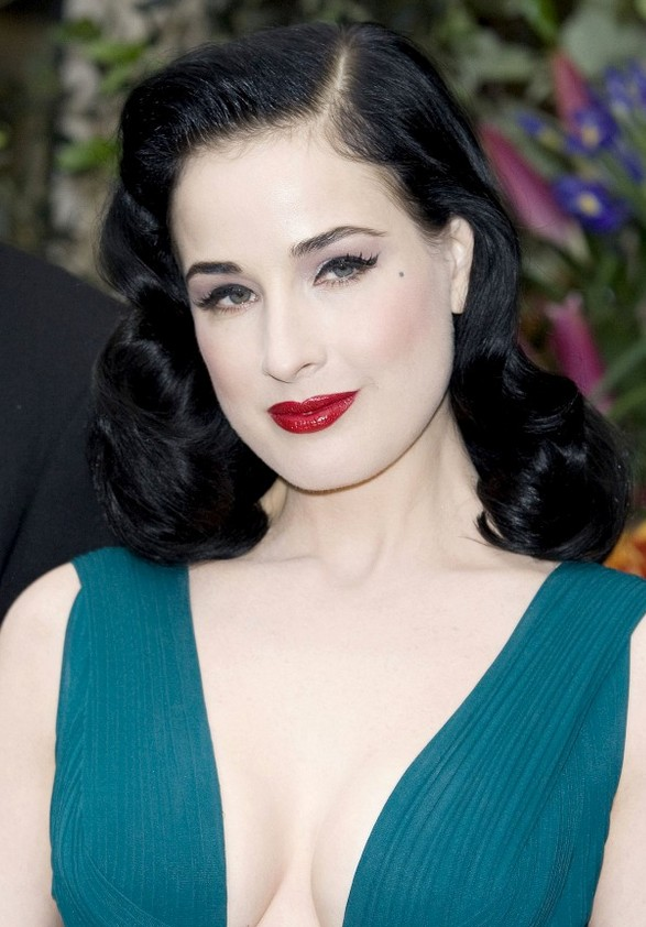 Dita Von Teese Layered Retro Hairstyle for Long Hair