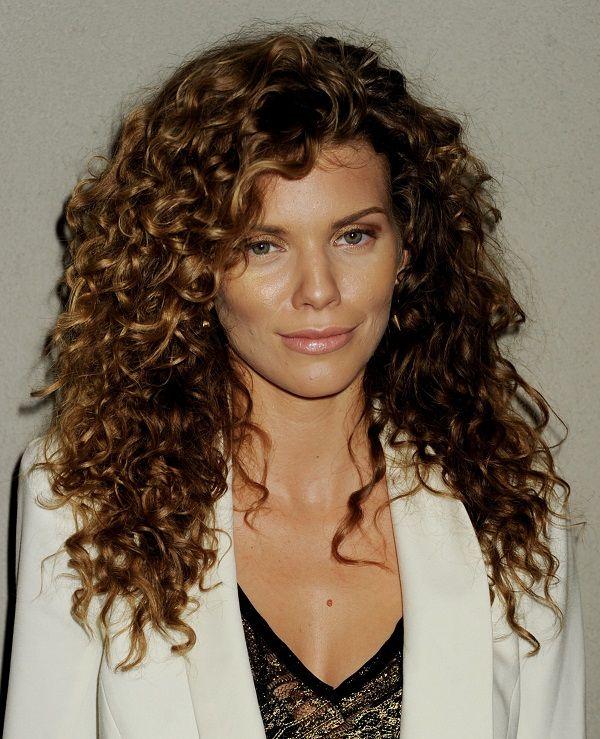 Astounding 32 Easy Hairstyles For Curly Hair For Short Long Amp Shoulder Short Hairstyles For Black Women Fulllsitofus