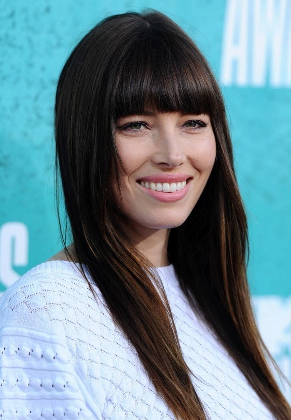 Jessica Biel 1960s Long Straight Hairstyle with Bangs