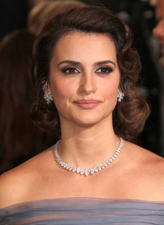 Sensational 5 Elegant Celebrity Red Carpet Hairstyles For Women Hairstyles Short Hairstyles Gunalazisus