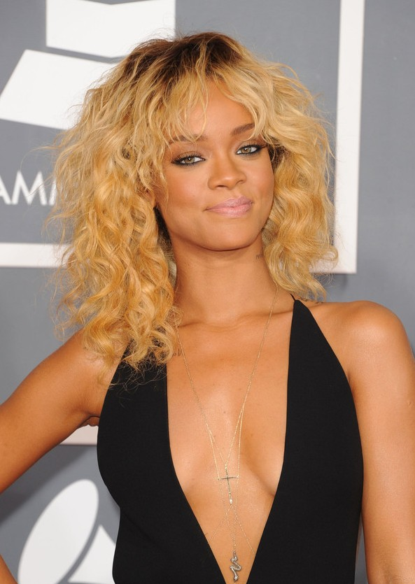 Sensational Blonde Curly Hairstyle For Shoulder Length Hair Hairstyles Weekly Short Hairstyles For Black Women Fulllsitofus