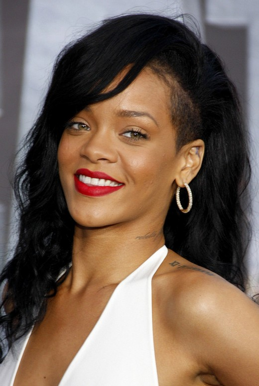 Rihanna Long Black Wavy Hairstyle with Bangs for Black Women
