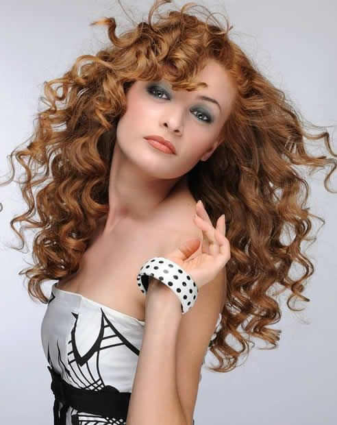 Incredible 32 Easy Hairstyles For Curly Hair For Short Long Amp Shoulder Short Hairstyles For Black Women Fulllsitofus