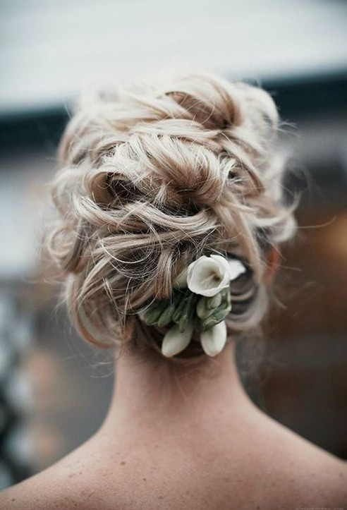 Best Messy Loose Bridal Updo for Wedding
