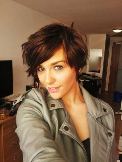 Layered Messy Short Haircut for Fall