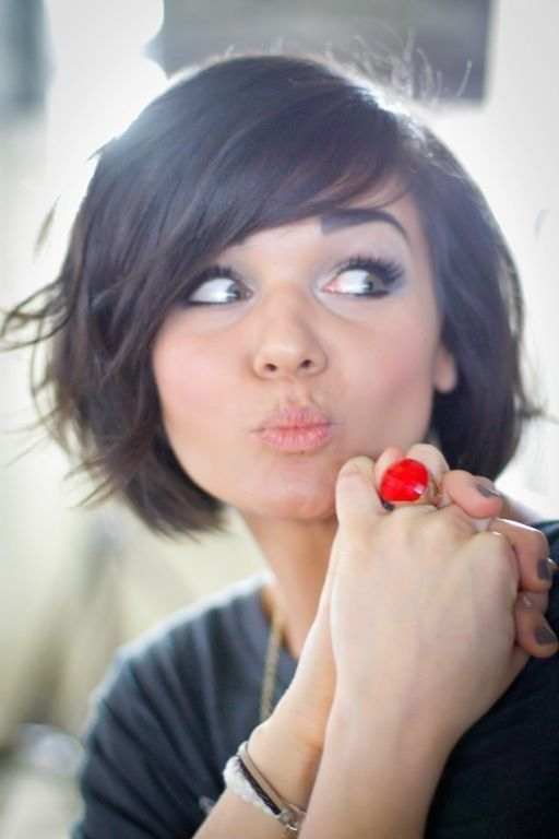 Sweet Short Hairstyles for Girls