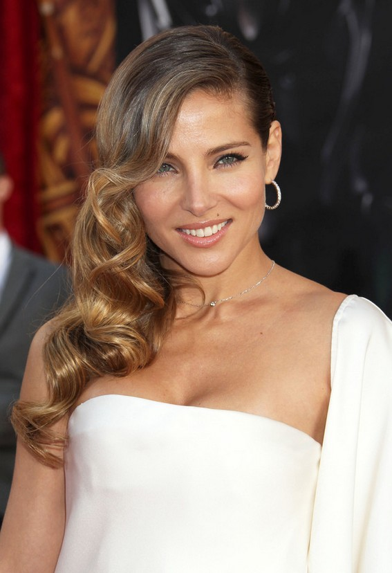 Elsa Pataky Side Parted Ombre Retro Hairstyle for Winter