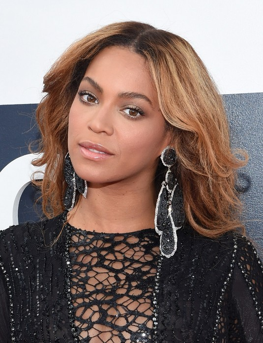 Beyonce Long Wavy Haircut for black girls