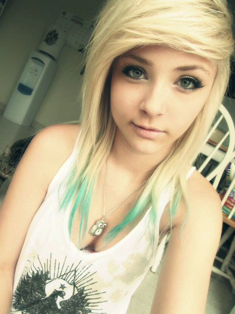 Cute emo girls long blonde hairstyle
