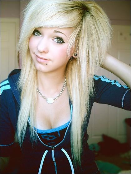 Emo Scene Hair Style for Girls
