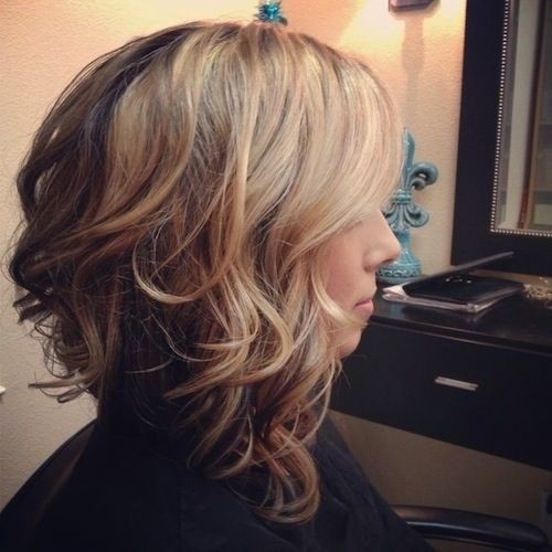 Stupendous 22 Medium Length Hairstyles For 2017 Top Shoulder Length Hairstyle Inspiration Daily Dogsangcom