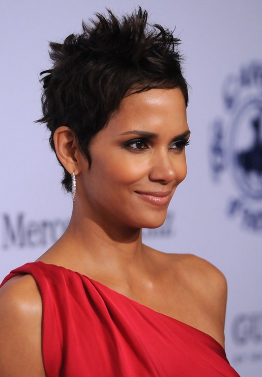 Halle Berry Short Haircut for Black Women