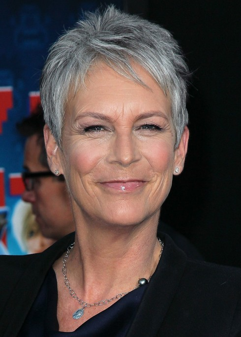 Jamie Lee Curtis Simple Easy Short Haircut for Women Over 50