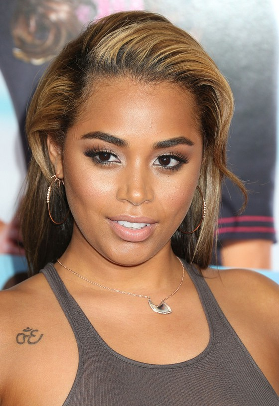 Lauren London Elegnat Teased Long Hairstyle for Black Women