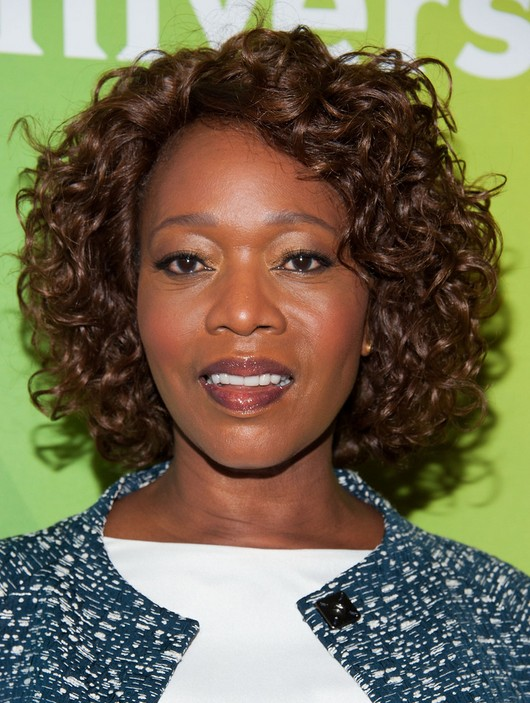Alfre Woodard Daily Curly Hairstyle for Black Women