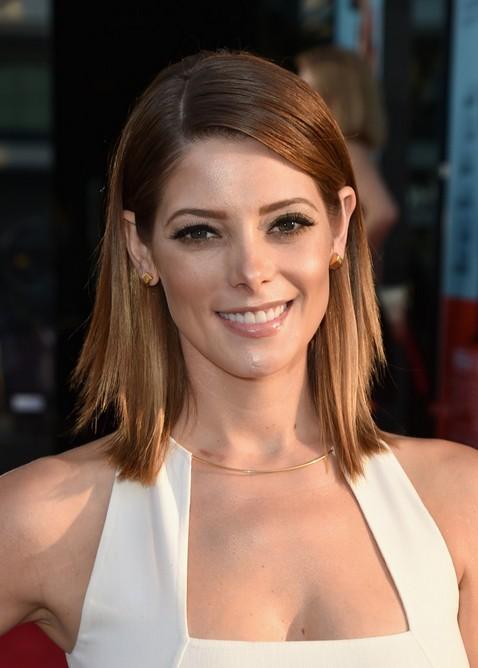 Ashley Greene Layered Lob Hairstyle for Women