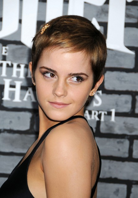 Emma Watson Short Pixie Haircut with Side Swept Bangs for Fine Hair