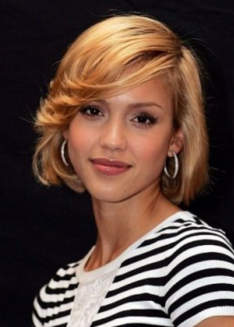 Jessica Alba Short Bob Hairstyle with Bangs