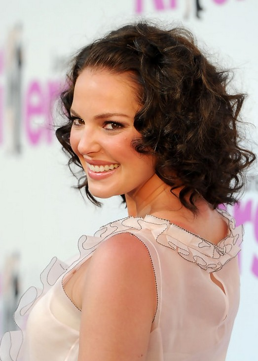 Katherine Heigl Soft Curly Hairstyle for Short Hair