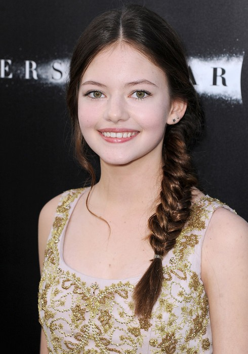 Mackenzie Foy Cute Side Braid for Thick Hair