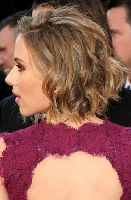 Scarlett Johansson Short Hairstyles Choppy layers and dual highlight bob