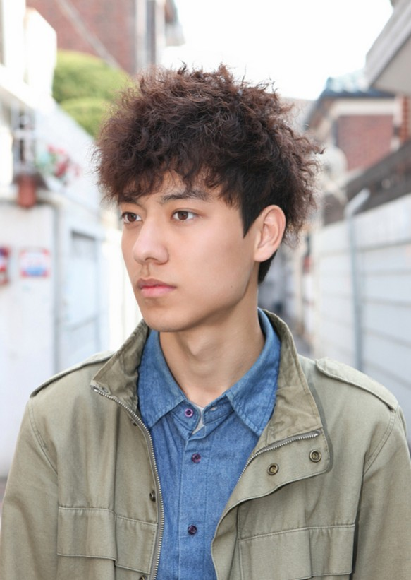Korean Curly Hairstyle for Men 2015