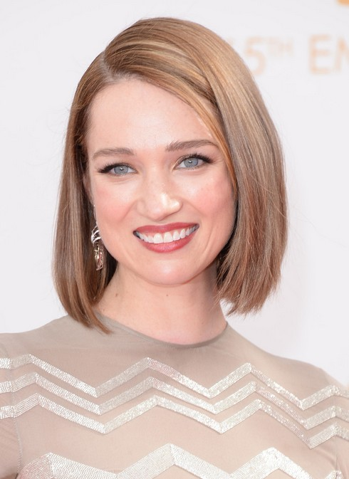 Terrific Side Parting Blunt Straight Bob Hairstyle For Women From Kristen Short Hairstyles Gunalazisus