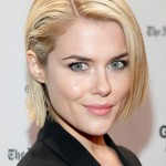 Rachael Taylor short straight haircut for office women