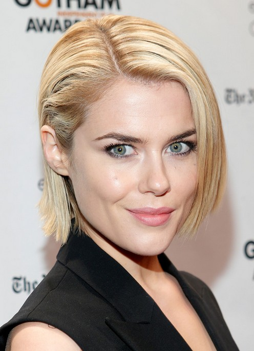 Rachael Taylor Latest Short Blonde Straight Haircut
