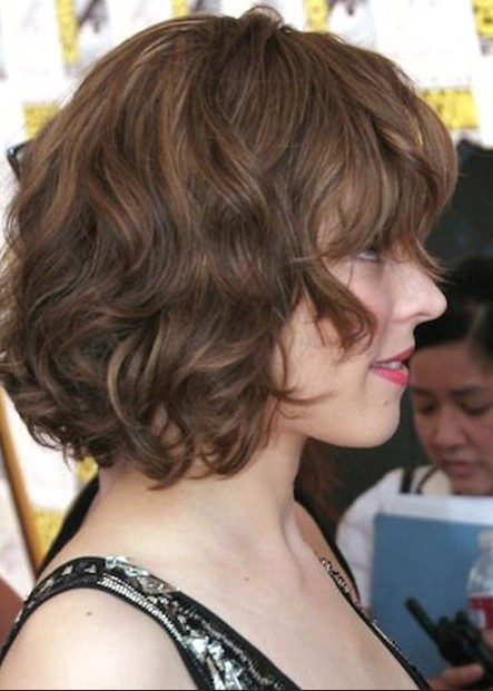Side View of Rachel Mcadams soft curly bob haircut
