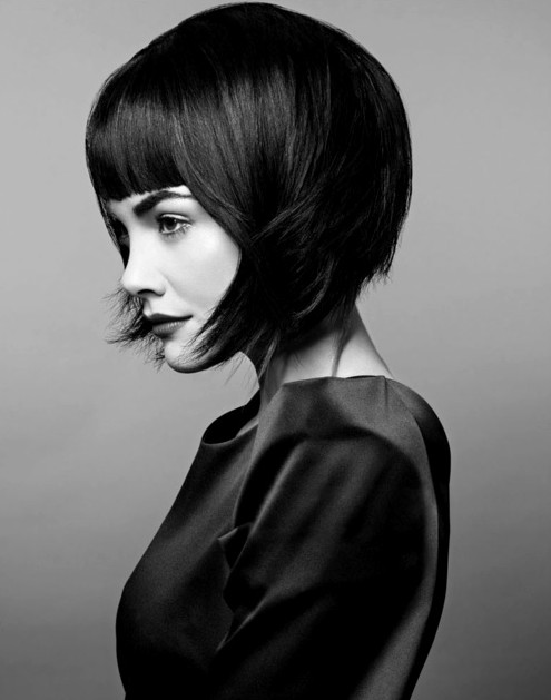 30 Short Hairstyles for Women: Bob Haircut with Blunt Bangs