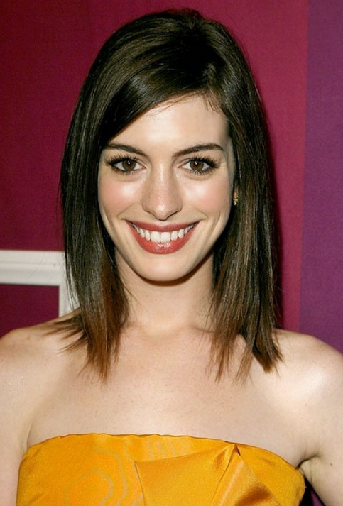 Fashionable Lob Hairstyle With Side Swept Bangs For Women