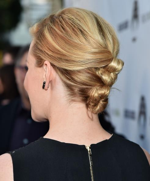 Back View Of Elizabeth Banks Hair Knots Hairstyles Weekly