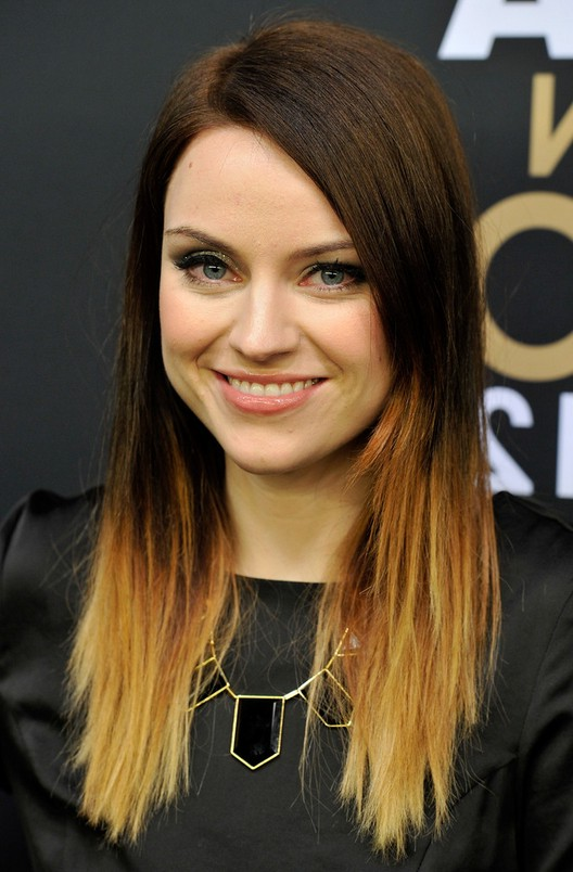 15 Subtle Styles For Medium Length Hair Hairstyles Weekly