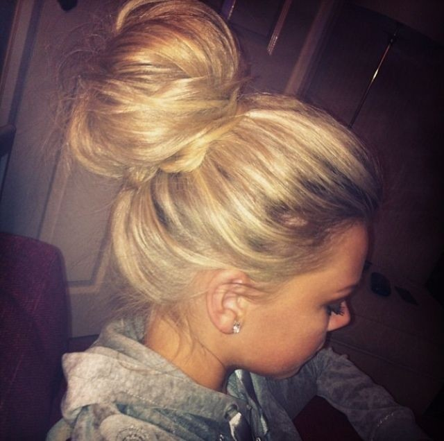 Cute-Bun-Updos-for-Long-Hair