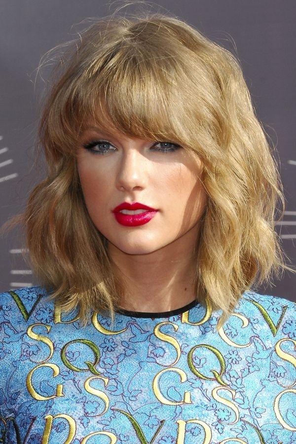 Taylor Swift Style Waves