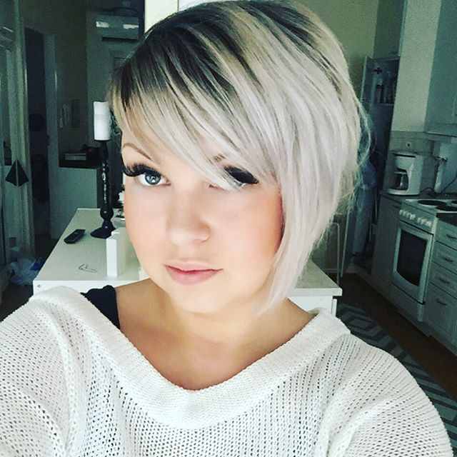 Cute asymmetrical bob haircut for short hair