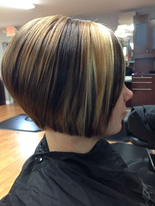Highlighted short straight bob cut