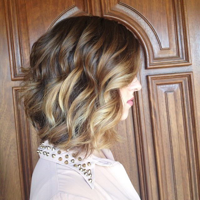 Sexy layered wavy bob hairstyle for thick hair