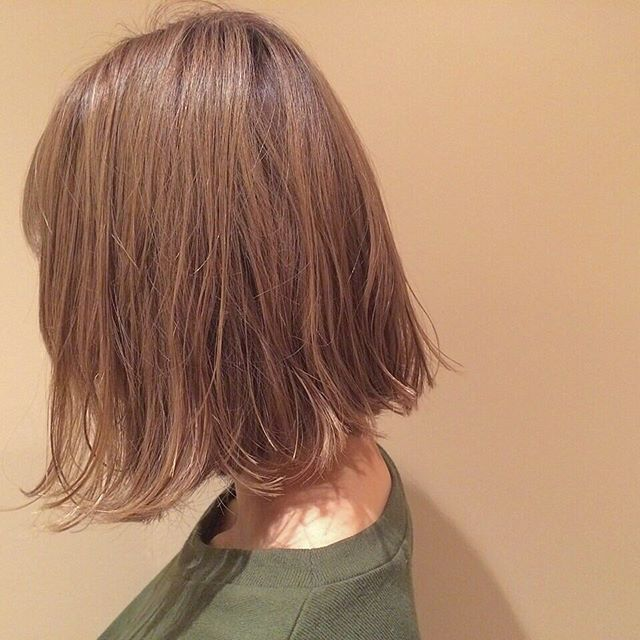 Side view of cute Japanese girls bob hairstyle