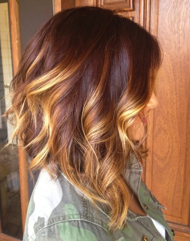Wavy Bob Hairstyle with Sombre Highlights